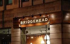 enseigne pour boutique enseigne en bois bridgehead enseigne en