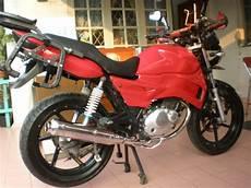 Modifikasi Motor Thunder 125 Touring by Suzuki Thunder 125 Modifikasi Touring