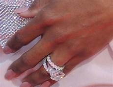 ciara showed off her two wedding rings at last night s espys we ve got pics of the
