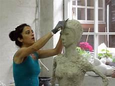 Of Einer Lebensgrossen Beton Frau Skulpturkunst Ch