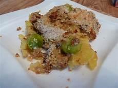 Rosenkohlauflauf Mit Kartoffeln - rosenkohlauflauf mit hackfleisch und kartoffeln maeuzi