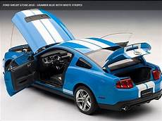 1 18 autoart ford mustang shelby gt500 blue w white