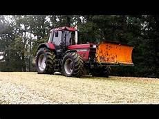 Ih 1455 Und Andere Traktoren Im Einsatz Der Maisernte