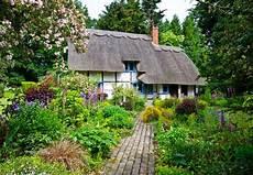 bauerngarten anlegen plan how to design an fashioned cottage garden gardener s
