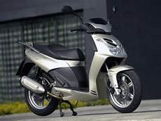 2009 Aprilia Sportcity Cube 250 Scooter Pictures