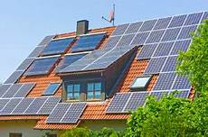 solaranlagen auf dem dach gefahren und solarthermie oder photovoltaik zwei sparchancen bewertet de