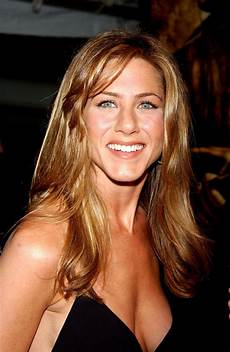jennifer aniston showing her world famous cleavage on the