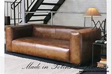 canapé cuir industriel le canap 233 de maisons du monde en cuir dans les tons