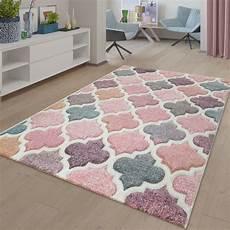teppich muster teppich rosa bunt wohnzimmer orient design pastellfarben