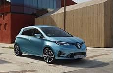 Pour Vous C Est Nouvelle Renault Zoe Ou Peugeot E 208