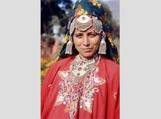 Kashmir traditional dress  Traditional fashion of Kashmir