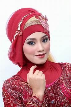 Kreasi Jilbab Make Up Wisuda Pesta Lamaran Di Naveela