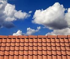 traitement des tuiles traitement nettoyage d 233 moussage de toitures 224 lyon