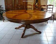 Table Ronde Pied Central