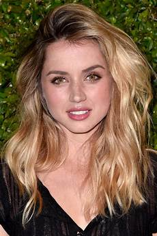 famous actress with blonde hair celebrities with buttery blonde hair instyle com