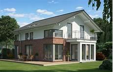 moderne einfamilienhäuser satteldach modernes einfamilienhaus klinker putz fassade satteldach