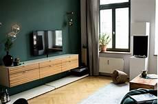 wohnzimmer grün streichen farbfreude im altbau projekt kolorat