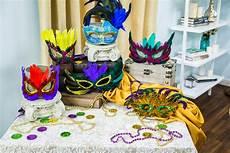 How To Home Family Diy Mardi Gras Mask Hallmark Channel