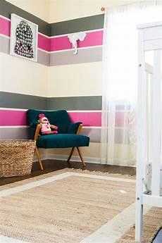 Wandgestaltung Streifen Ideen Bilder - farbgestaltung im kinderzimmer poppige streifen in pink