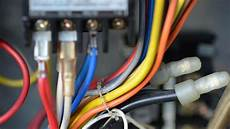 what color is the neutral wire reference com