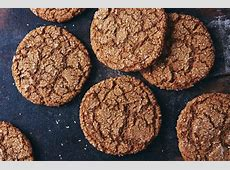 crispy spiced ginger cookies_image