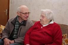 der 101 jährige 101 j 228 hrige bekommt besuch auf bestellung ehrenamtliche