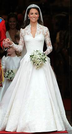 hochzeitskleid kate middleton royal wedding dresses photos of the most iconic gowns