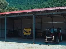 fienili prefabbricati tettoie e fienili