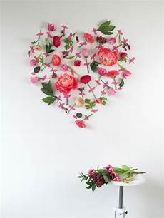 deco st valentin s day flower wall