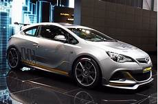 169 Automotiveblogz Opel Astra Opc Geneva 2014 Photos