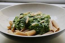 nudeln mit käse nudeln mit spinat k 228 se sauce rezept mit bild