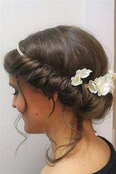 Brautfrisur Romantisch Mit Blumen Und Band Frisur Mit