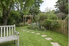 Schmaler Garten Gestalten - garden design portfolio leaf and acre