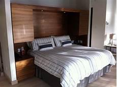 lit avec armoire en tete de lit t 234 te de lit avec table de chevet et rangement int 233 gr 233 en