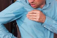 Dunkle Flecken Nach Dem Waschen In Der Waschmaschine - deoflecken entfernen aus kleidung putzen de