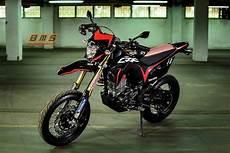 Modifikasi Honda Crf150l by Modifikasi Honda Crf150l Lokal Jadi Supermoto Garapan Baru