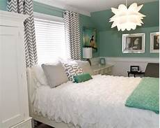 Bedroom Ideas Mint Green Walls by Seafoam Green Bedroom For Search Home
