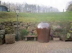 zisterne und brunnen im regenwassertonne zisterne brunnen wasserbeh 228 lter in
