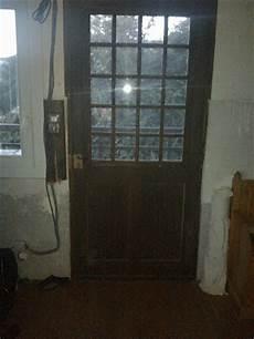 isoler une porte d entrée isoler une vieille porte d entr 233 e pour l hiver 2012 10