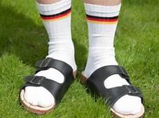 sandalen mit socken umfrage ost frauen m 246 sandalen und socken mode