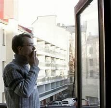 darf der vermieter in die wohnung schadenersatz wie stark mieter in der wohnung rauchen