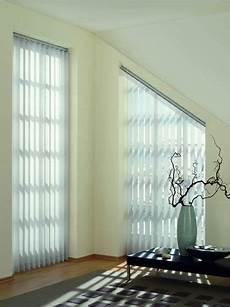 Gardinen Für Schräge Fenster - pin reena miglani auf window treatments blinds for
