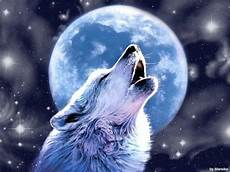 Wolf Howling At Moon Wallpaper
