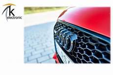 Audi Q2 Ausstattungsvarianten - audi q2 ga emblem schwarz gl 228 nzend audi ringe