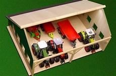 kidsglobe farming 1 32 houten schuur voor 4 tractoren
