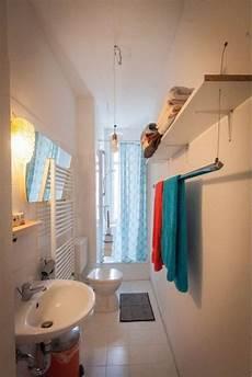 schmales altbaubadezimmer mit dusche und sch 246 ner
