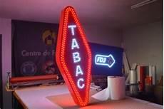 mesure de lumière 3 lettres lettres relief leds pvc alu plexi enseignes42