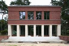 Klassisch Traditionelles Einfamilienhaus Aus Backstein Und
