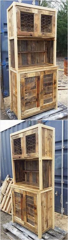 mobilier en palette in this idea of the rustic wood pallet cabinet you can