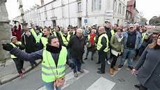 Manifestation Gilets Jaunes Dans Le Centre Ville De La
